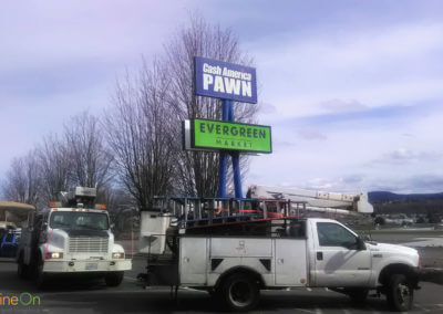 outdoor-sign-evergreen-market